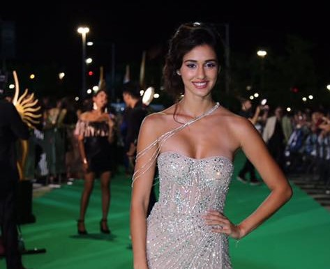 disha patani hot in white dress showing boobs