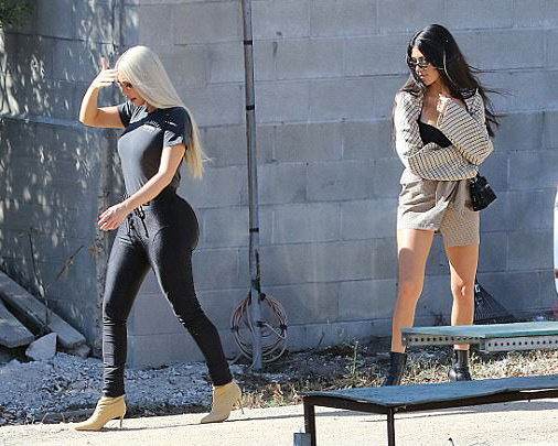 kim kardashian with kourtney kardashian